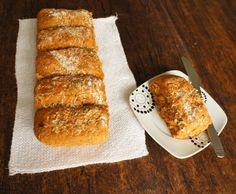 comida de quinta: pão com tomate seco e pesto
