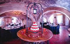 Alternative & Rockabilly Weddings in Prague Hard Rock Cafe (4)