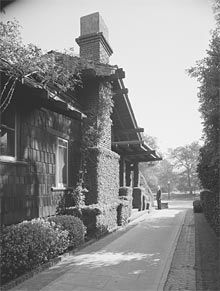 The Crow-Crocker house, G&G, 1909, Maynard Parker (ca. 1947), courtesy the Huntington Library.