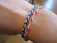 5 Strand Box Braid Friendship Bracelet Video Tutorial ~ Crafty Weekend: Craft projects for the weekend