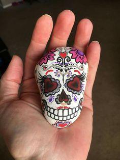 Sugar Skull Rock Painting : sugar, skull, painting, Painted, Rocks, Calaveras,, Skulls,, JOLs,, Ghosts, Ideas, Rocks,, Pumpkin, Carving, Party,, Halloween, Pumpkins, Carvings