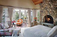 33 Stunning master bedroom retreats with vaulted ceilings Rustic Bedroom Design, Rustic Master Bedroom, Master Bedroom Design, Cozy Bedroom, Modern Bedroom, Bedroom Decor, Master Suite, Bedroom Designs, Dream Bedroom