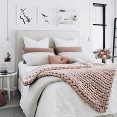 Home decorating ideas cozy brilliant minimalist bedroom ideas with black and white colors. home decorating ideas cozy brilliant minimalist bedroom Dream Rooms, Dream Bedroom, Home Bedroom, Modern Bedroom, Bedroom Small, Trendy Bedroom, Bedroom Romantic, Small Rooms, Bedroom Furniture