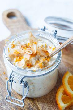 Orange and vanilla oats in a single day Healthy Soda, Healthy Drinks, Healthy Recipes, What's For Breakfast, Breakfast Recipes, Runners Food, Banana Snacks, Vegan Overnight Oats, Brunch