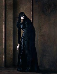 Like a phantom geisha. Julia Hetta