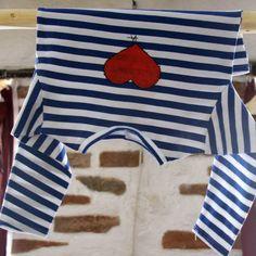 Námořnické+srdcaté+vel.+92/98+-+kvalitní+námořnické+triko,+dlouhérukávky+zbavlněného+úpletupocházíz+dílnyVanPierre.+-+příjemný+bavlněný+úplet,+95%+bavlna+++5+%+elastan+-+barva+bílo+-+modrá+-malované+ručně+vel.92/98+Pro+holku+bezva+námořnici.+V+nabídce+i+další+námořnické+motivy+a+velikosti...+