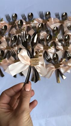 souvenir Wedding Favors by WhiteRoomHandmade on Etsy Wedding Thank You Gifts, Wedding Gifts For Guests, Wedding Favours, Wedding Cards, Wedding Invitations, Creative Wedding Favors, Graduation Party Decor, Diy Wedding Decorations, Gift Packaging