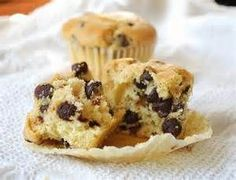 That's quoting my neighbor, who baked these delicious muffins. Muffins with chocolate chunks, how w. Homemade Chocolate Chip Muffins, Chocolate Desserts, Craving Chocolate, Homemade Muffins, Best Muffin Recipe, Muffin Recipes, Trim Healthy Recipes, Low Carb Recipes, Healthy Desserts