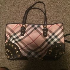 Burberry Nova Check Tote Studded nova check tote 100% authentic. Minimal signs of use Burberry Bags Totes