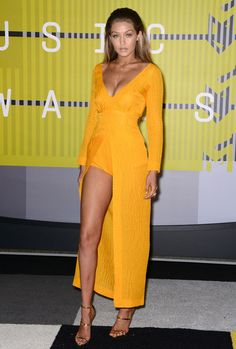 Gigi Hadid at MTV Video Music Awards 2015 #redcarpet