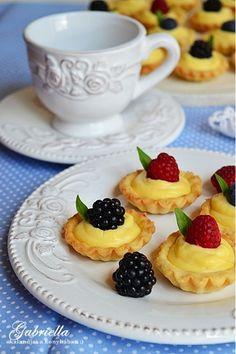 Gabriella kalandjai a konyhában :) Cherry Cake, Cake Recipes, Cheesecake, Xmas, Menu, Sweets, Food, Muffin, Tasty Food Recipes