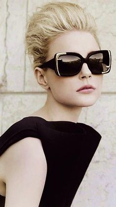 Black & Gold oversized Fendi sunglasses ♥♥♥♥♥