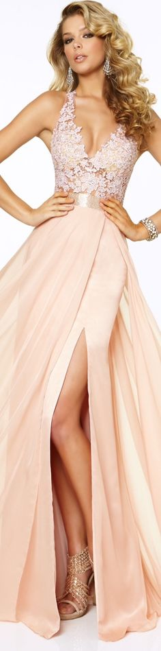Beautiful dress in a tan and light peach color! | You can find this at => http://feedproxy.google.com/~r/amazingoutfits/~3/uGX1cnhXBN0/photo.php