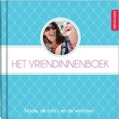 In het Vriendinnenboek beantwoord jij samen met je vriendinnen leuke vragen voor een jarige, trouwende of jubilerende vriendin. Leg al jullie mooie momenten en herinneringen vast met vragen over jou, haar en jullie vriendschap. Al vanaf €12,50 op www.belmondo.nl/vriendinnenboek.html Diy Gifts, Presents, Birthday, Funny, Quotes, Wedding, Life, Seeds, Gifts