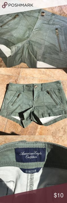 American eagle  amp shorts Low rise and stretch material American Eagle Outfitters Shorts Cargos