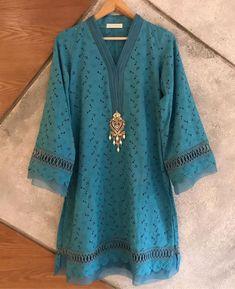 No photo description available. Sleeves Designs For Dresses, Dress Neck Designs, Stylish Dress Designs, Stylish Dress Book, Stylish Dresses For Girls, Casual Dresses, Casual Wear, Simple Pakistani Dresses, Pakistani Dress Design