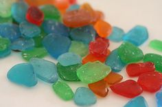 Edible sugar sea glass for cake decorating par ACakeToRemember