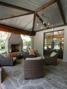 Love the metal roof! Contemporary Patio Design Ideas, Pictures, Remodel and Decor Back Patio, Patio Roof, Backyard Patio, Small Patio, Rooftop Patio, Pergola Roof, Gravel Patio, Cement Patio, Side Porch