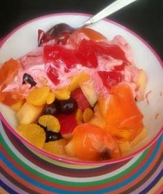 •No Sugar Added Mandarins  •Apple Slices  •Grapes  •Cantaloupe  •Greek Yogurt W/Crystal Light Flavoring  •2 Five Calorie Jello Snack Packs