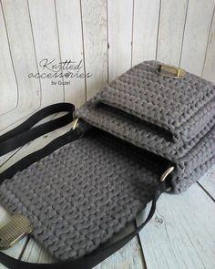 Конфетка💛 В НАЛИЧИИ. #сумка#сумки#сумкикрючком#сумкиизтрикотажнойпряжи#школаонлайн_myfergy#вязание#вязанныеаксессуары#вязаниеназаказ#рукоделие#вяжутнетолькобабушки#вязаниекрючком#ручнаяработа#хэндмэйд#хендмейд#ручная_работа#bags#knitting#knit#handmadebags#crochet#crochetting#handmade#творчество#ярмаркамастеров#handmadewithlove#handmadejewelry