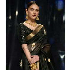 India Fashion Week, Fashion Spring, Aquamarine Earrings, Black Saree, Simple Earrings, Beautiful Saree, Minimalist Earrings, Wedding Earrings, Designer Earrings