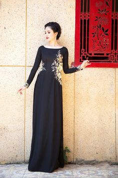 Shop at Ao Dai Bella for high quality velvet fabric with good price. Velvet fabric is a good choice for many kind of dresses. Vietnamese Traditional Dress, Vietnamese Dress, Traditional Dresses, Ao Dai Vietnam, Indian Designer Outfits, Mac, Pure Products, Formal Dresses, Clothes