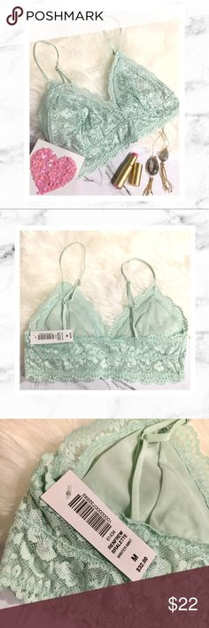 "Aritzia Mint Lace Bralette Aritzia Renfrew Bralette in size Medium, New With Tags! Gorgeous ""winter mint"" color. Adjustable straps and even a hook to make it racerback style so the straps don't slip off your shoulders. Absolutely beautiful! Aritzia Intimates & Sleepwear"