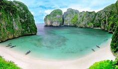 Maya Bay Phuket - Thailand Phi Phi Island Facts Thailand Travel, Bangkok Thailand, Asia Travel, Beach Cocktails, Railay Beach, Phi Phi Island, Koh Phangan, Island Tour, Pattaya