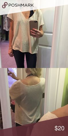 Urban Outfitters Top Great condition💟 Urban Outfitters Tops Tees - Short Sleeve