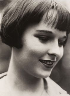 A smiling Louise Brooks- not very often do I see this!!