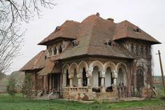 c a vladescu monument - Google Search Beautiful Architecture, Beautiful Buildings, Beautiful Landscapes, Beautiful Homes, Abandoned Houses, Abandoned Places, Old Houses, Desert Places, Bucharest Romania