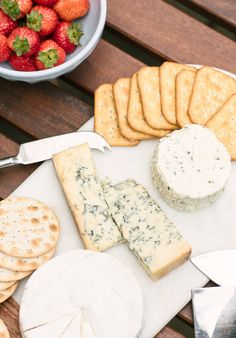 5 Go-To Easy Patio Meals for Entertaining Outside