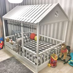 I wouldn't put the roof on but I like the latched gate siding and window box. That's be great for her water, animals and books Big Girl Rooms, Baby Boy Rooms, Baby Bedroom, Baby Room Decor, Baby Cribs, Girls Bedroom, Bedroom Ideas, Bedroom Organization Diy, Organization Ideas