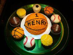 Smash cake and ball cupcakes