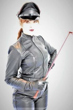 Gloves Fashion, Female Supremacy, Fetish Fashion, Dominatrix, Woman Face, Strong Women, Beautiful Women, Sexy, Leather