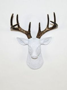 Amazon.com: The Mini Lydia| Miniature Resin Deer Head | White Deer Head with Bronze Wall Decor | Stag Head Wall Mount | Faux Taxidermy | Animal Head Wall Hanging Sculpture | Animal Mounts | Trophy Taxidermy: Home & Kitchen