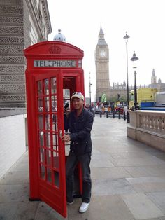 """""""Had a good time sightseeing in London yesterday!   It's time to go home.""""    September 20, 2011"""