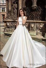 2017 New Arrival Bateau Voltar Design 2017 Vestidos de Casamento de Cristal Faixa Frisada Nupcial Bola Vestidos Vestido de Noiva de Cetim Valencia alishoppbrasil