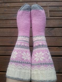 Wool Socks, Knitting Socks, Hand Knitting, Knitting Patterns, Mittens, Knit Crochet, Booty, Crocheting, Fashion