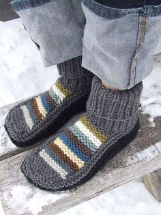 Free Knitting Patterns For Socks On Four Needles The Easiest Sock In The World. Free Knitting Patterns For Socks On Four Needles Knitting Patterns Dk . Knitted Slippers, Crochet Slippers, Knit Or Crochet, Knit Slippers Free Pattern, Knitting Patterns Free, Free Knitting, Slipper Boots, Knitting Socks, Knit Socks