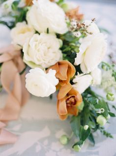Romantic and modern wedding bouquet: Photography: Michelle Boyd - http://www.michelleboydphotography.com/