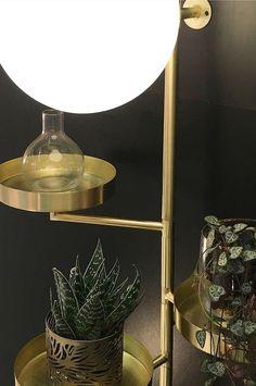 Ellos Home Vegglampe Astoria - Messing - Hjem & innredning - Ellos.no Globe, Mirror, Lighting, Furniture, Basement, Design, Home Decor, Rome, Speech Balloon