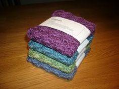 Crocheted dish-clothes, description in Swedish Yarn Crafts, Diy And Crafts, Free Crochet, Knit Crochet, Bra Hacks, Crochet Potholders, Textiles, Wrist Warmers, Chrochet