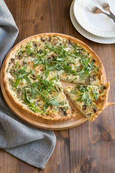 Mushroom quiche with goat cheese - - Oven Dishes, Dinner Dishes, Dinner Recipes, Vegetarian Recepies, Veggie Recipes, Healthy Recipes, Greek Spinach Pie, Country Dinner, Dutch Recipes
