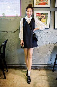 [Chuu] V-Neck Shift Pinafore Dress