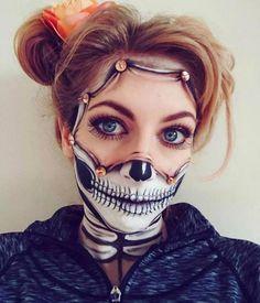 Halloween - Make-up Schminke und Co. Halloween - Make-up Schminke und Scary Makeup, Skull Makeup, Sfx Makeup, Costume Makeup, Amazing Halloween Makeup, Pretty Halloween, Halloween Eyes, Gory Halloween Makeup, Horror Make-up