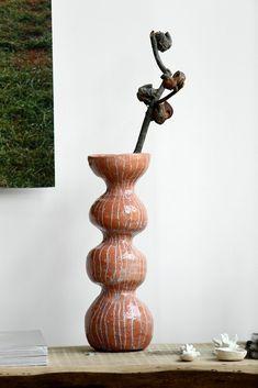 Garage Band Ceramics – brown stoneware – The New York Times – Ceramic Art, Ceramic Pottery Ceramic Clay, Porcelain Ceramics, Ceramic Bowls, Stoneware, Fine Porcelain, Pottery Vase, Slab Pottery, Ceramic Pottery, Sculptures Céramiques