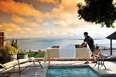 Explore Lake Kariba while staying at the Bumi Hills Safari Lodge. Stay at one of the lake-view rooms and explore the beauty that Bumi Hills can offer. Travel Deals, Us Travel, Moving To The Uk, Victoria Falls, Steam Room, Great Hotel, Zimbabwe, Best Location, Lake View