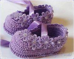 Crochet zapatos bebe recien nacido. La imagen mostrada tiene relación con el termino de búsqueda: Crochet zapatos bebe recien nacido Knitted Baby Boots, Crochet Boots, Baby Booties, Crochet Baby Sandals, Baby Girl Crochet, Crochet Baby Clothes, Baby Patterns, Crochet Patterns, Knit Shoes