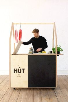 HÛT creates mobile plywood gin trolley to serve its architecture office : HÛT architects design and build mobile gin trolley as the new office accessory Kiosk Design, Cafe Design, Design Design, Signage Design, Design Ideas, Graphic Design, Stand Design, Booth Design, Mobile Kiosk